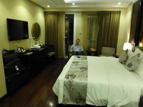 Golden Silk Boutique Hotel: Our room