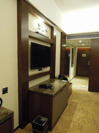 TV (Maoming International Hotel)