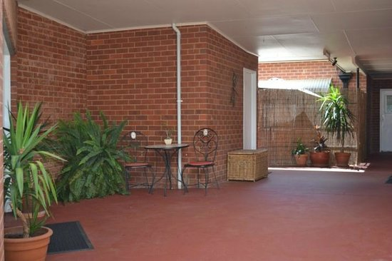 Millie's Guesthouse : Guesthouse grounds