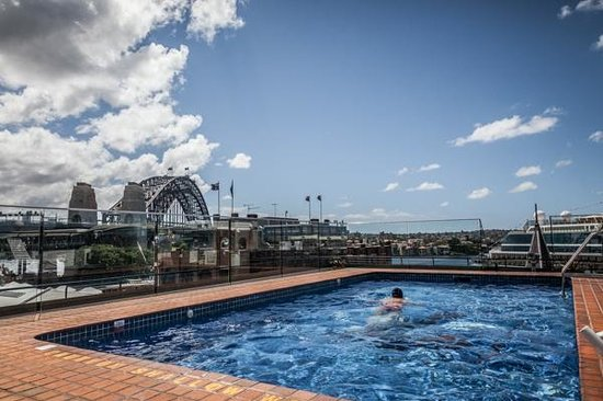 View of rooftop pool picture of holiday inn old sydney for Pool show sydney