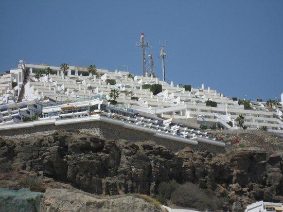 Hotel Riosol: Hotellet set fra havnen
