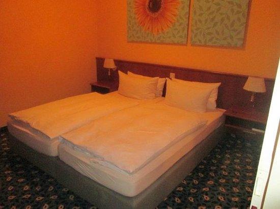 Hotel-Restaurant Kronprinz: chambre annexe
