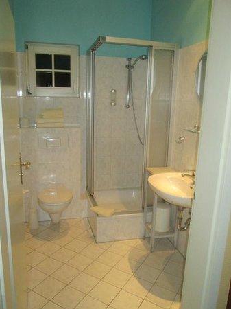 Hotel-Restaurant Kronprinz: salle de bains