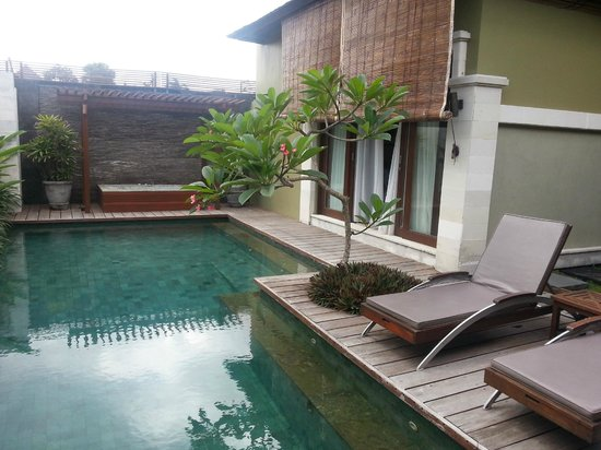 Pradha Villas: Bedroom faces pool and 2nd bedroom