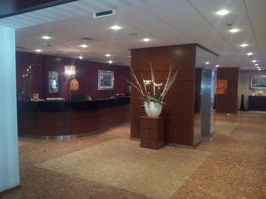 Bilderberg Europa Hotel: The hotel lobby