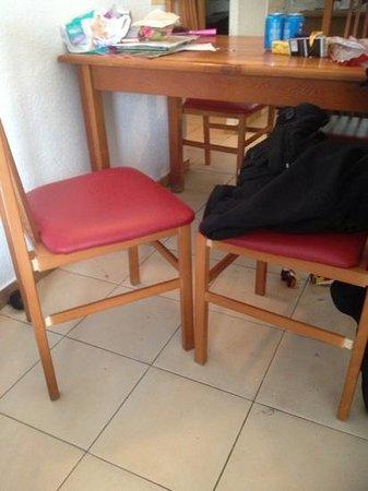 Almonsa Playa: all chairs damaged or broken