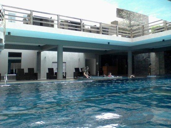 Swimming Pool Area Picture Of Long Beach Hotel Cox 39 S Bazar Tripadvisor