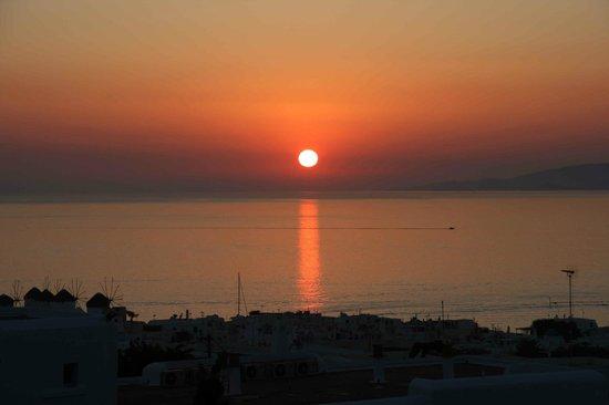 Constantina Zorz Xydakis : Il tramonto visibile dalla veranda