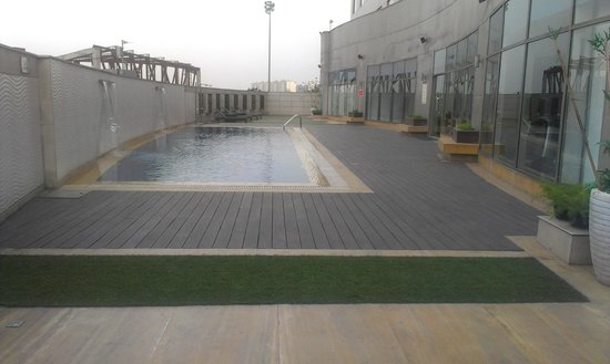Country Inn & Suites by Carlson - Gurgaon, Udyog Vihar: Pool 1