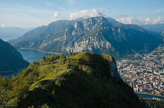 Ostello Residenza Molinatto: view from Monte Barro park