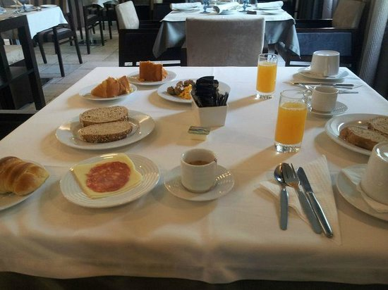 Your Hotel & Spa Alcobaca: Breakfast