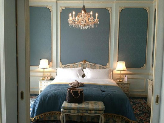 Hotel Imperial Vienna: bed