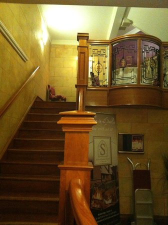 Westwood House Hotel: Stairwell