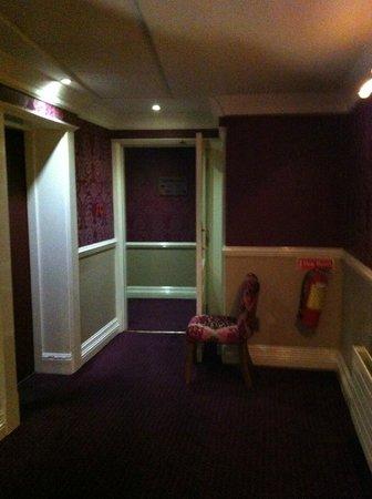 Westwood House Hotel: Hallway