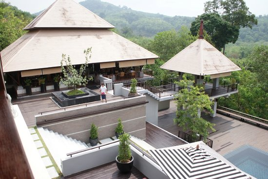 Villa Zolitude Resort and Spa: le restaurant, au loin