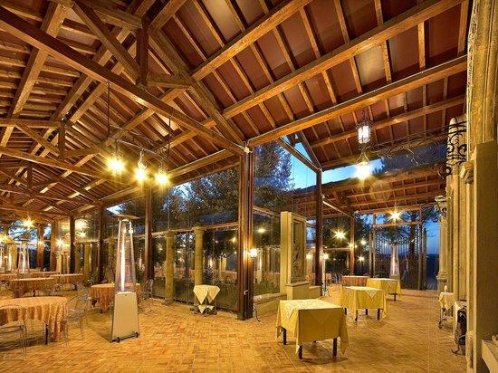 Colle Fiorito: la magnifica e unica sala eventi detta :La Loggia dei Portali