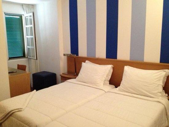 Residencial Amparo: Rom