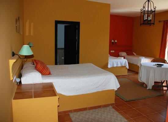 Hotel La Antigua Estacion : Habitacion cuadruple/Four bed room/ Vierbettzimmer