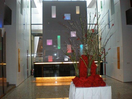 ブルネイ ホテル, Lobby
