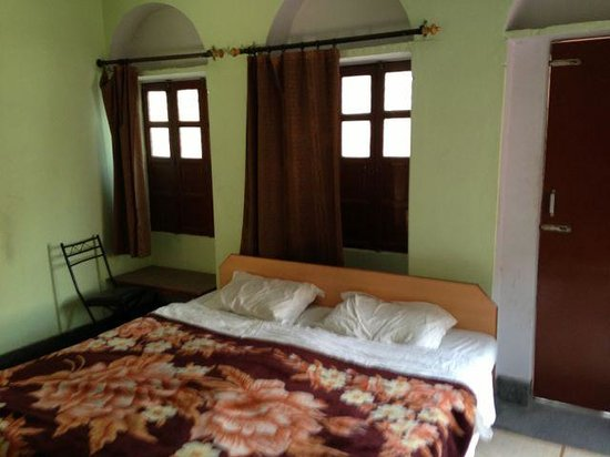 Shivakashi Guest House: Double room non-AC