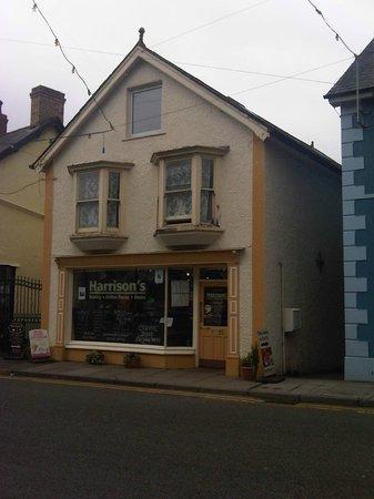 Harrison's, Castell Newydd Emlyn