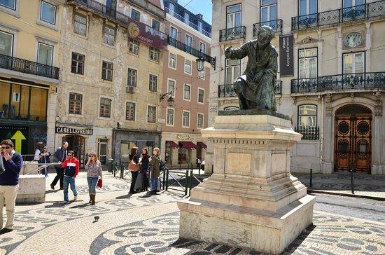 Chiado: Statues of Famous Poets....