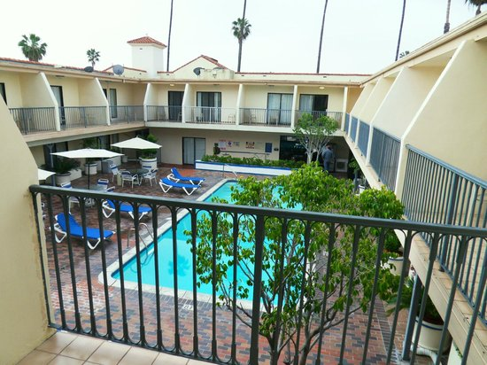 Days Inn Hollywood Near Universal Studios: Pool