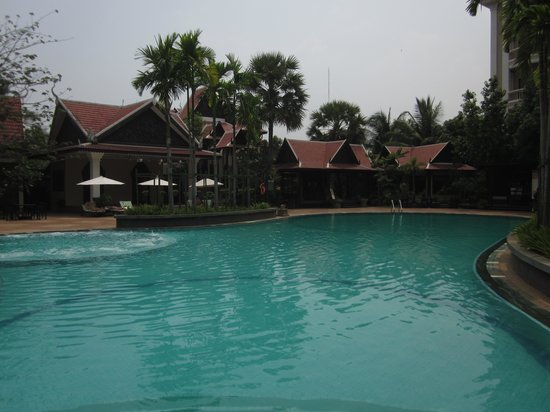 The Privilege Floor by BOREI ANGKOR: Pool area