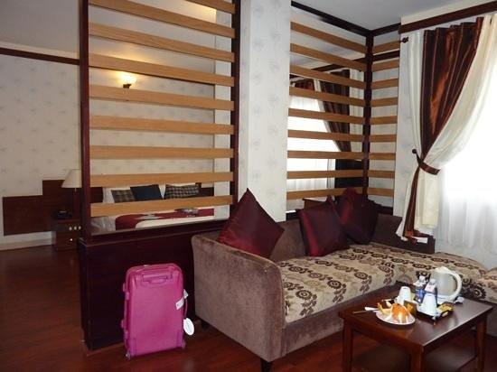 Asian Ruby Luxury Hotel: looks nice, but beware of windy picks!