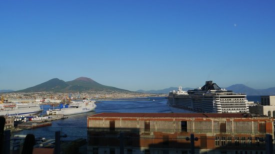 Romeo Hotel - Vesuvius, Bay and the ferry