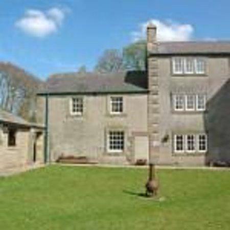 Cotesfield Farm: The Courtyard