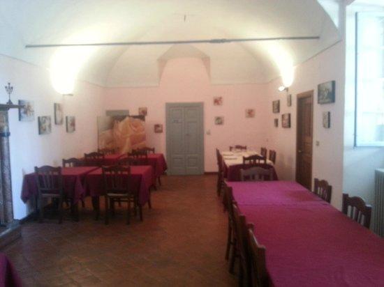 Santa Maria della Versa, Italy: Un'accogliente sala interna