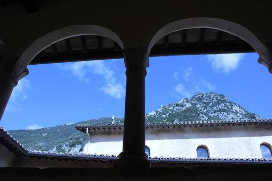 Abbazia San Pietro in Valle: vista dal loggiato