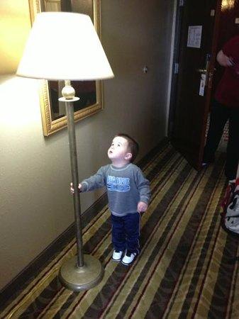 """Super 8 Tilton/Lake Winnipesaukee : """" lamp is sturdy dad"""""""