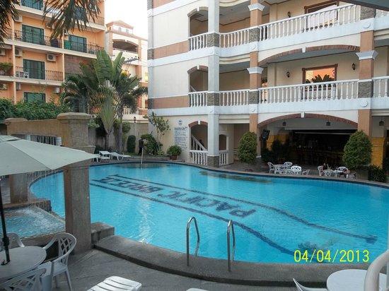 pacific breeze hotel resort hk 314 h k 3 6 1. Black Bedroom Furniture Sets. Home Design Ideas