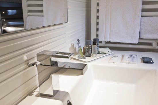 Hotel Garance: Bathroom