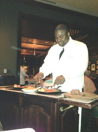 Bahamian Club: Cooking table side