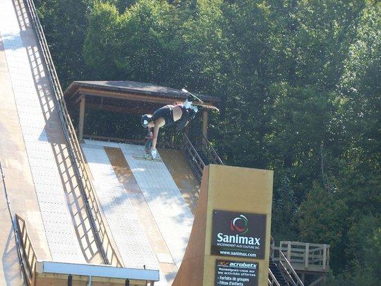 Centre National d'Entrainement Acrobatique Yves LaRoche: Centre Acrobatique Yves Laroche