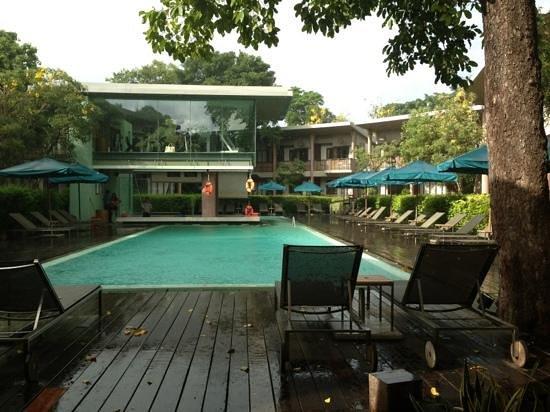 Sai Kaew Beach Resort: swimming pool from our room