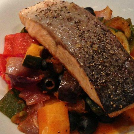 Cafe Salar : Salmon Ratatouille