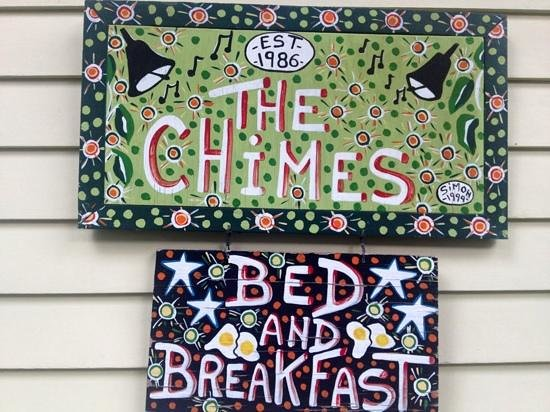 Chimes Bed and Breakfast: sign