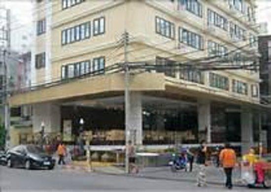 The Privi Hotel: Hotel liegt sehr Zentral zum Teil Nachts durch die Bars laut