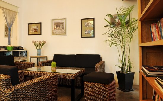 Peachy Water Hyacinth Sofa Set Picture Of Deja Vu Cafe Ho Chi Ncnpc Chair Design For Home Ncnpcorg