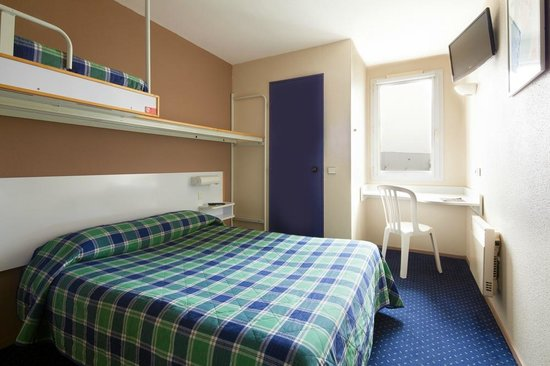 Hotel Mister Bed Orleans Saran : Chambre triple