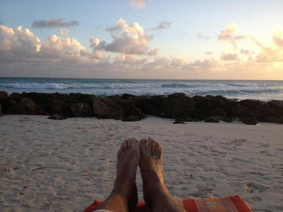Ocean Two Resort & Residences: Relaxing at the beach!