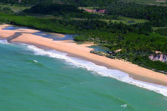 Rio da Barra Beach: olhando assim de cima é reumente um paraiso perdido em trancoso