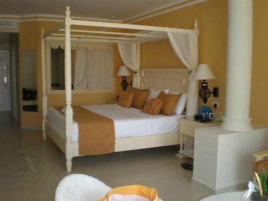 Luxury Bahia Principe Bouganville Don Pablo Collection : Our bedroom