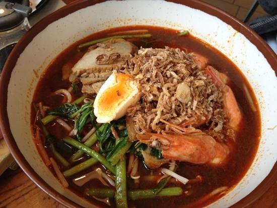 Hare and Tortoise: prawn noodle