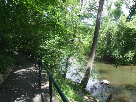Housatonic River Walk : There are a few benches where you can sit and eat lunch