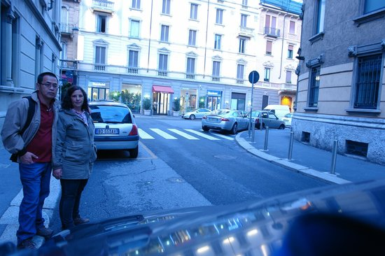 EuroHotel: ao fundo a fachada do hotel